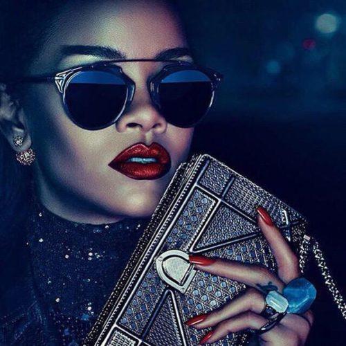 Rihanna Ad Cost Snapchat $800 M's